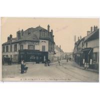 CPA - (78) Les Mureaux - Place Rouget et Grande Rue