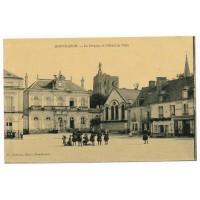 CPA - (37) - Montbazon - Le Donjon et l'hotel de ville